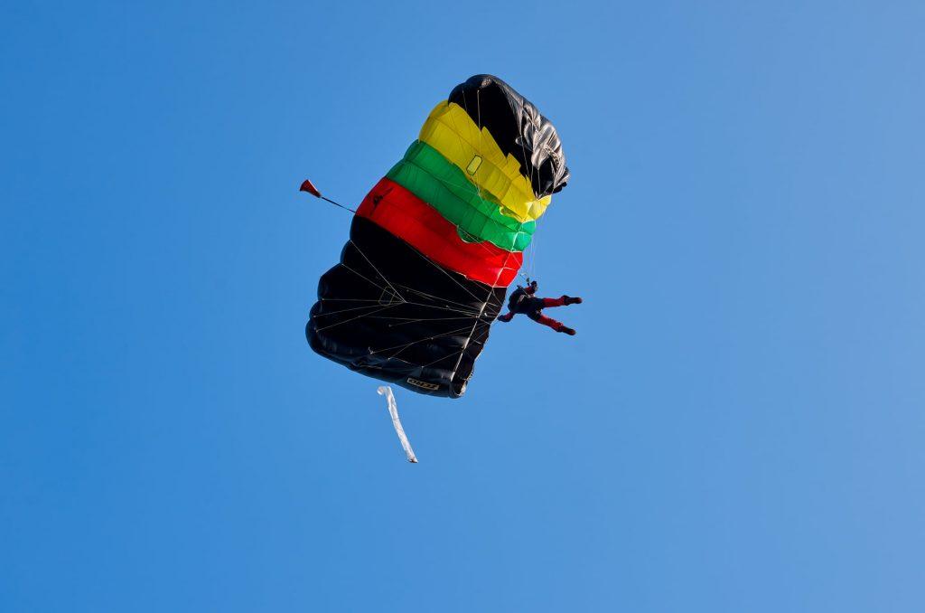 Atviros netradicinės parašiutininkų varžybos